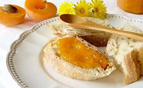 Confiture ensoleillée d'abricot et noix de coco