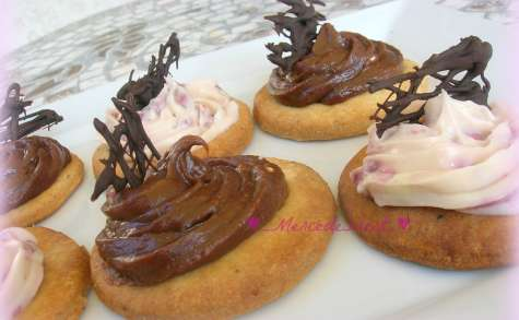 Tartelettes chocolat blanc/fraise et toblerone