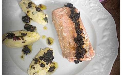 """Saumon et écrasée de pommes de terre Primeur, sauce """"algues"""""""