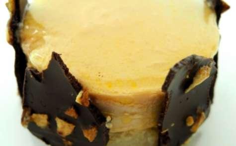 Médaillons de foie gras de canard, chocolat aux éclats d'ail et gelée de Floc de Gascogne