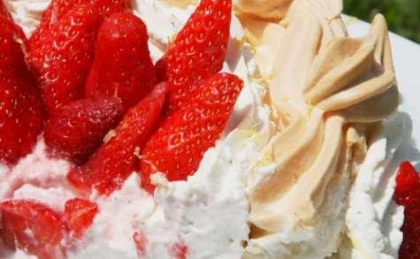 Pavlova citronnée aux fraises, chantilly mascarpone vanillée