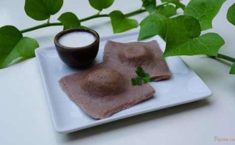 Ravioles à la farine de châtaigne farcies au foie gras et crème à l'ail