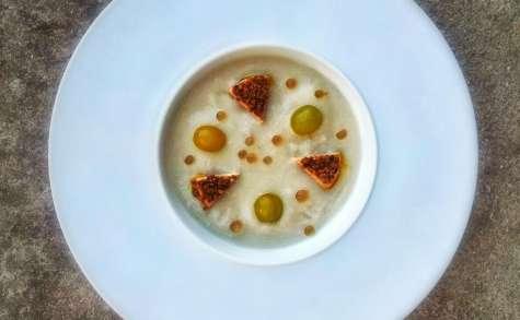Gazpacho blanc, foie gras praliné et sphères de Floc de Gascogne