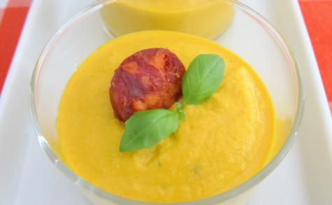 Crèmes épicées de carottes, tofu et dés de chorizo