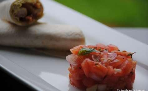 Wrap de dinde, Sauce au curry-curcuma et tartare de tomates aux échalotes
