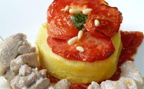 Sauté de dinde marinée, tartelettes de polenta à la provençale, compotée de tomates