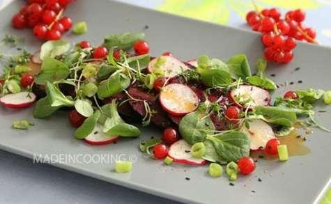 Salade de betterave et de radis sauce au miel et l'orange