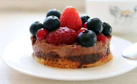 Entremet croustillant au chocolat praliné et aux fruits rouges