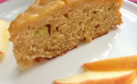 Le gâteau renversé aux pommes et sirop d'érable