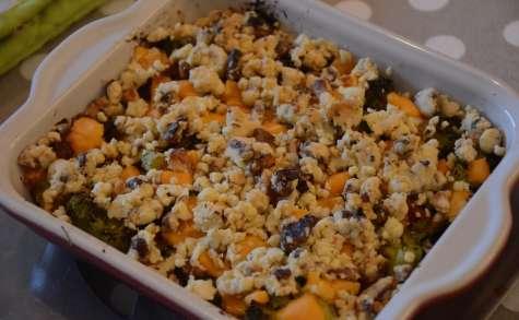 Crumble de brocolis, mimolette et noix