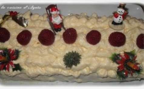 Bûche de Noël aux fruits rouges