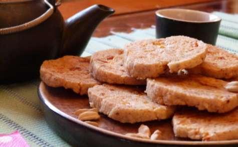 Biscuits sablés un peu indien à la cardamome et à la mangue séchée
