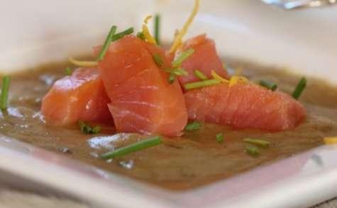 Saumon cuit lentement, gelée d'endives au galanga et vodka
