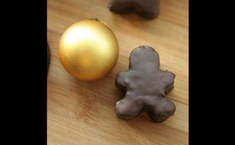 Bonshommes de noël en pain d'épices enrobés de chocolat
