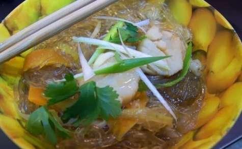 Soupe japonaise aux Saints Jacques pochées et aux crosnes