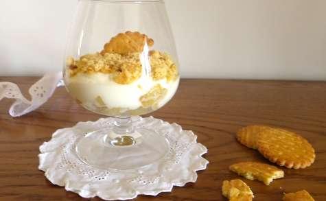 Trifle à la pomme verte épicée au miel et sablés bretons