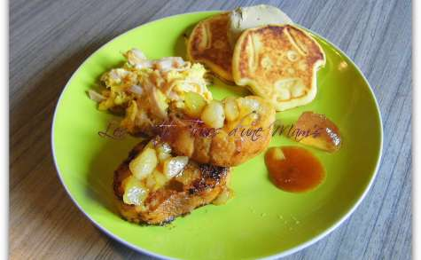 Pancakes, pain perdu, poires poêlées et oeufs brouillés