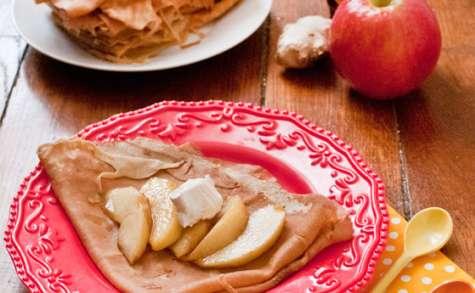 Crêpes aux pommes caramélisées au gingembre et au sirop d'érable
