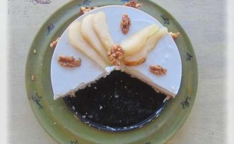 Cheesecake au roquefort, poires et noix