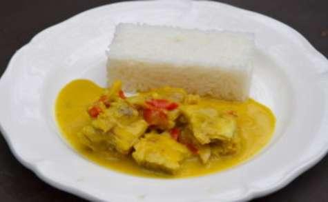 Mijoté de poisson au curry et lait de coco