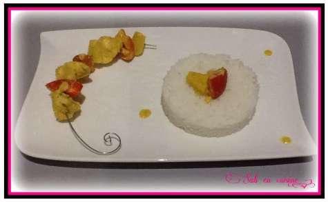 Poulet à l'ananas, coco et curry avec riz basmati