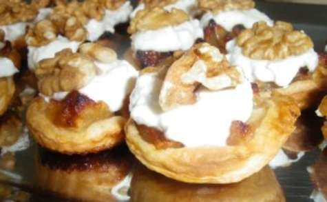 Mini tartelettes aux pommes sautées et mousse de chèvre