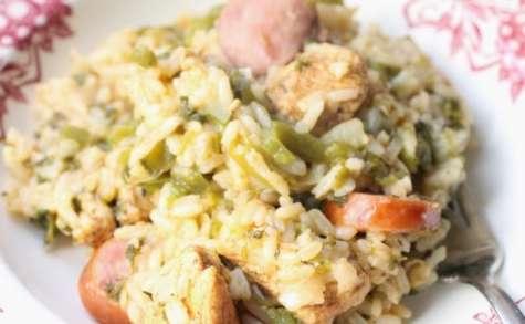 Jambalaya au poulet et à la saucisse fumée
