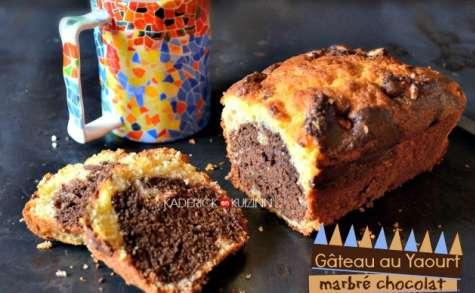 Gâteau au yaourt marbré chocolat, vanille et noix