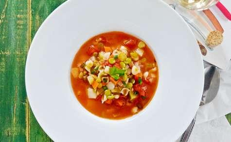 Soupe aux Légumes, Pâtes et Pois Verts Cassés