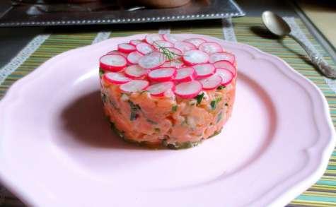 Tartare de saumon, Malossol et radis roses