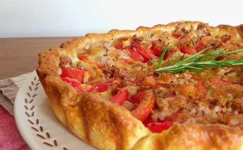 Tarte estivale aux tomates, romarin, thon et mozzarella