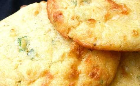 Biscuits façon cornbread au maroilles et aux oignons frais