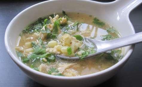 Soupe asiatique de maïs et poulet