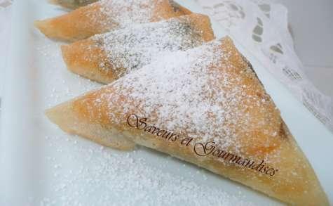 Samossas au confit d'oignons et fromage