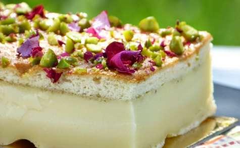 Gâteau magique à la cardamome et eau de rose