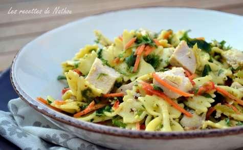 Salade de pâtes au poulet, vinaigrette moutarde et curry