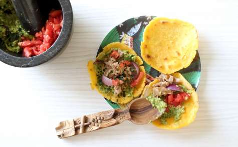 Tacos maison : galettes de maïs, guacamole et boeuf aux oignons
