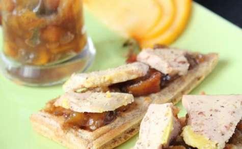 Foie gras sur gaufre au pain d'épices et chutney de kaki