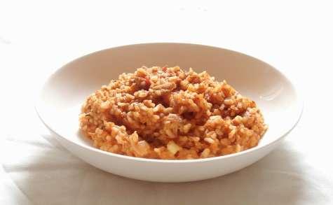 Riz pilaf pimenté à la tomate et au thon