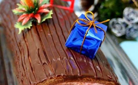 Bûche de Noël au chocolat et à la mousse de framboises