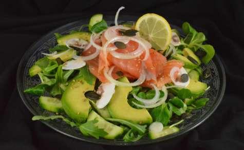 Salade Santé – Avocat, saumon, graines