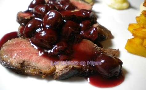 Magrets de canard, sauce aux cerises et au kirsch