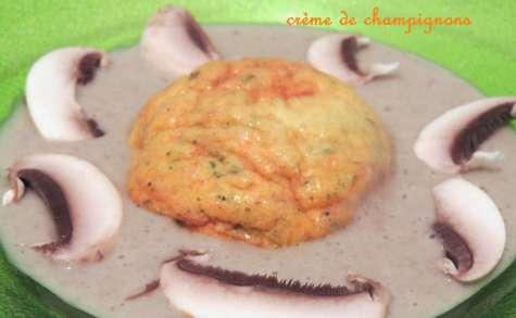 Soufflé à la courge musquée et crème de champignons