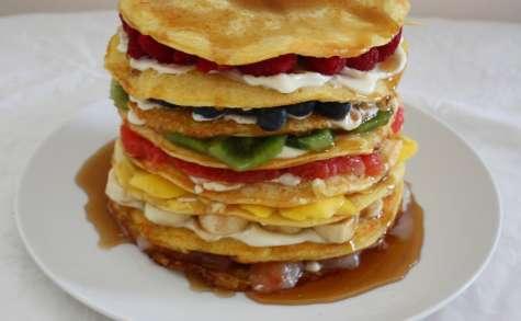 Gâteau de pancakes arc en ciel aux fruits