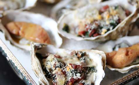 Huîtres gratinées pour les fêtes: façons Rockfeller et foie gras