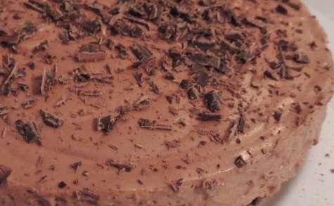 Gâteau mousse chocolat noir éclat fève de cacao