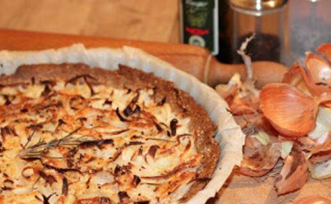 Tarte légère à l'oignon, au romarin et au piment d'Espelette