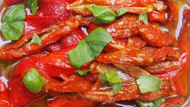 Poivrons grill s et tomates s ch es marin s l huile d olive par cuisiner en paix - Cuisiner les tomates sechees ...