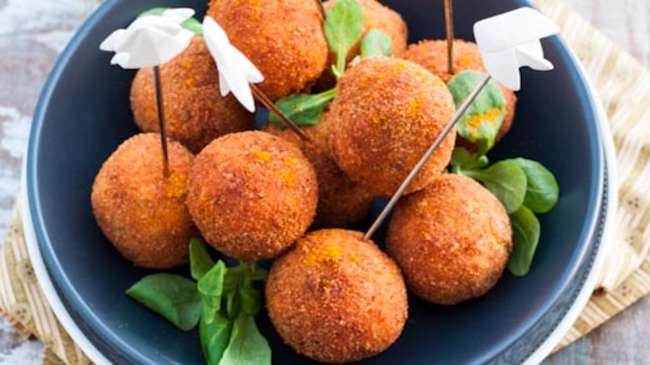 croquettes de saumon au curry sauce salsa de mangue par la raffinerie culinaire. Black Bedroom Furniture Sets. Home Design Ideas