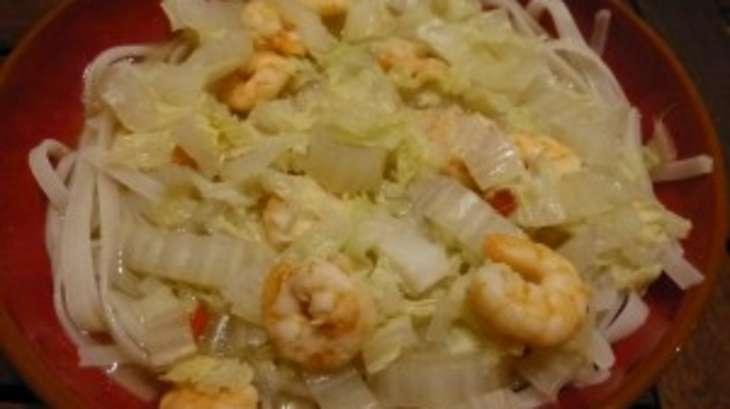 Soupe aux crevettes et nouilles chinoises façon Pho
